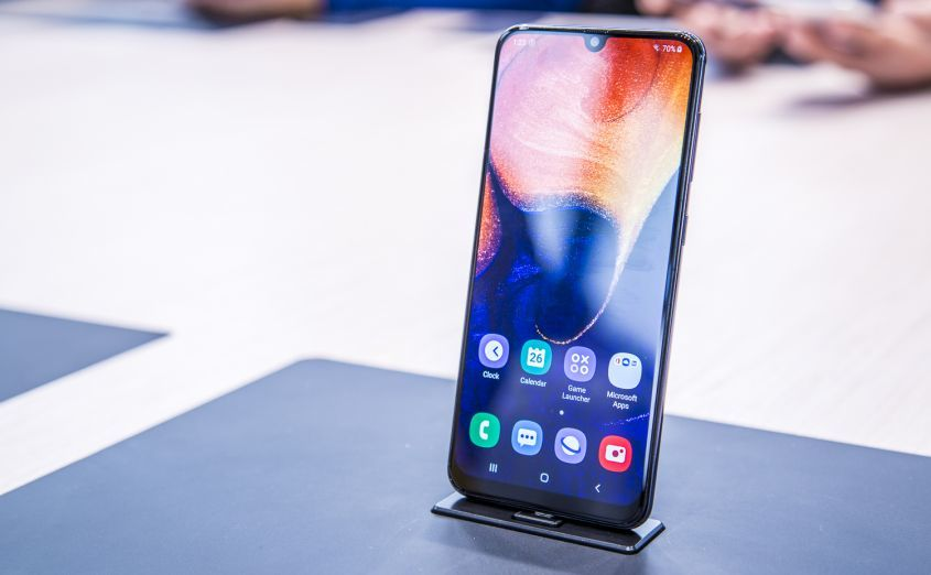 Лучший смартфон до 30000 рублей 2019