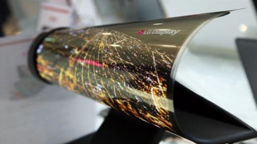 Motorola создает гибкий смартфон с уникальным экраном!