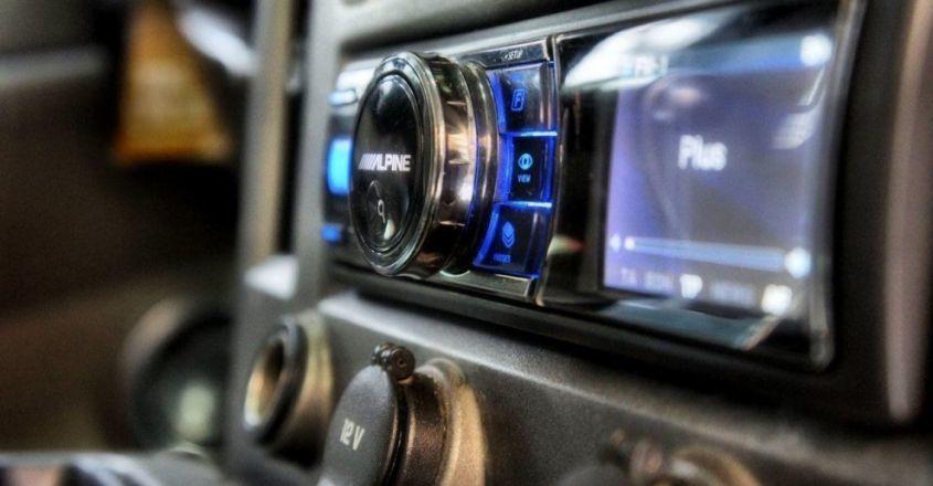 Топ автомагнитол с Алиэкспресс: советы по выбору автомобильной магнитолы